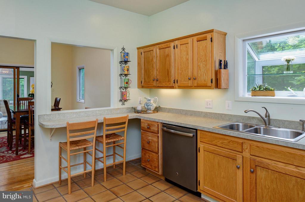 Spacious Kitchen - 39367 SADDLERIDGE LN, ALDIE