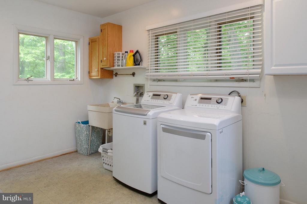 Laundry/mudroom - 39367 SADDLERIDGE LN, ALDIE