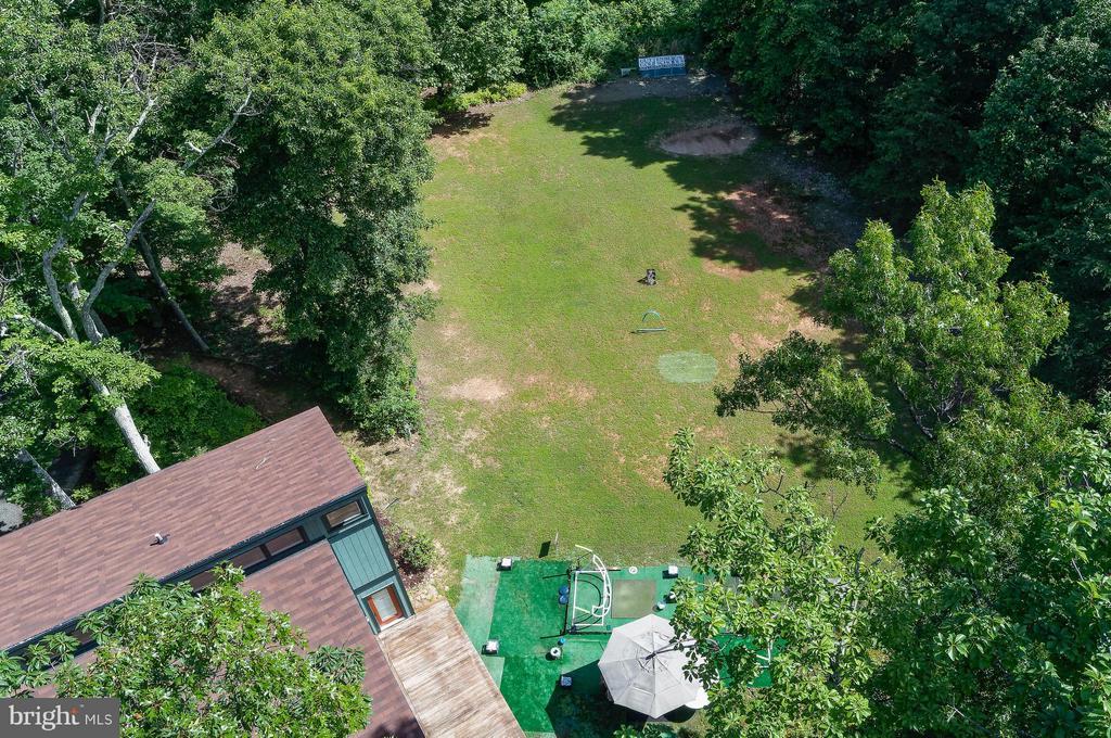 Sand trap & putting green, too! - 39367 SADDLERIDGE LN, ALDIE