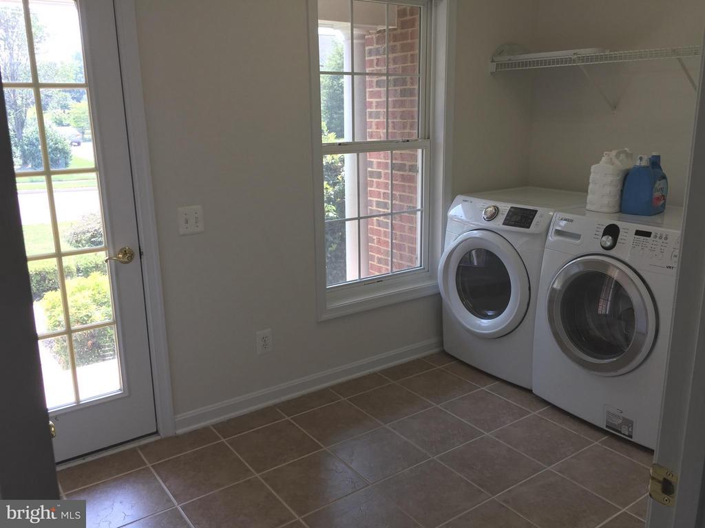 1 of 2 Laundry Rooms! - 25667 CABIN POINT CT, CHANTILLY