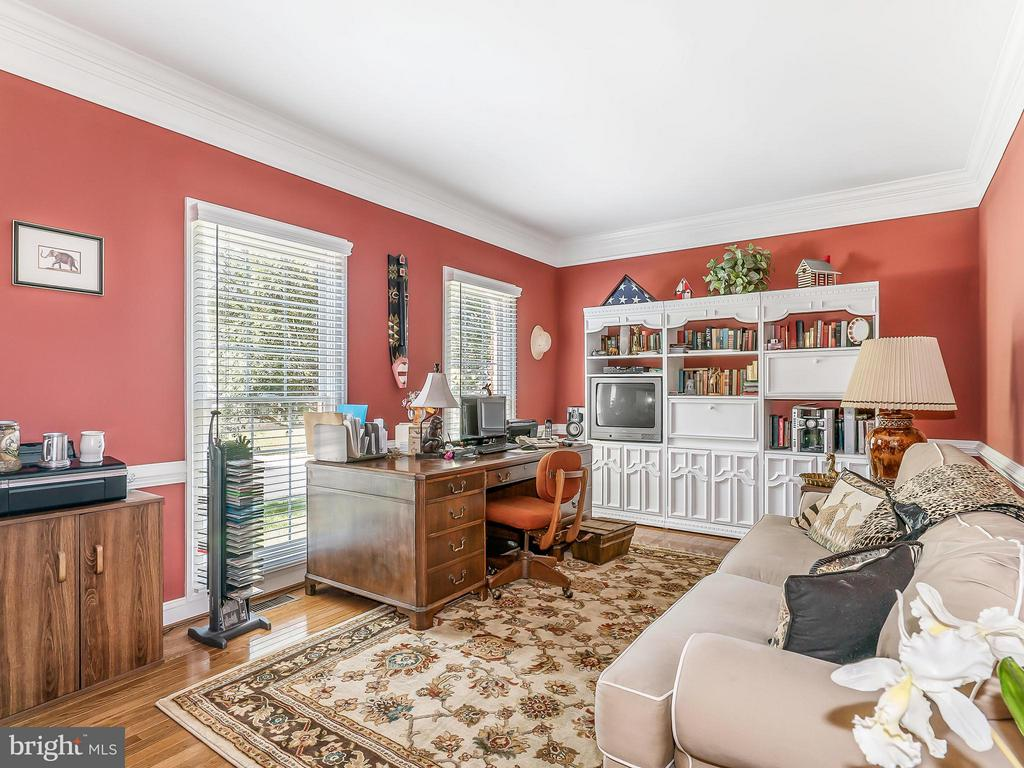 Office or Den - 14037 WEEPING CHERRY DR, ROCKVILLE