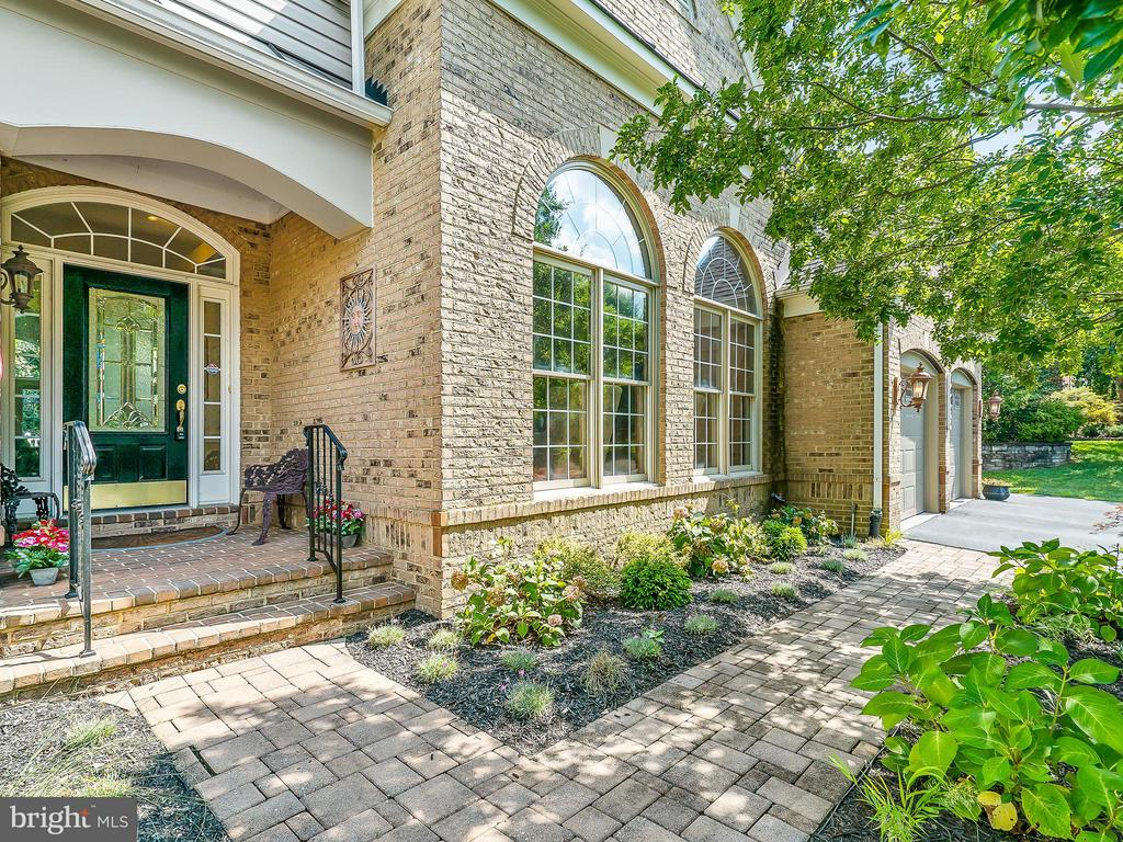 Brick Walkway, Landscaped - 14037 WEEPING CHERRY DR, ROCKVILLE
