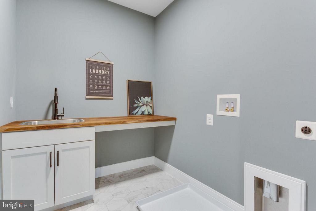 Laundry Room - 6404 19TH ST N, ARLINGTON