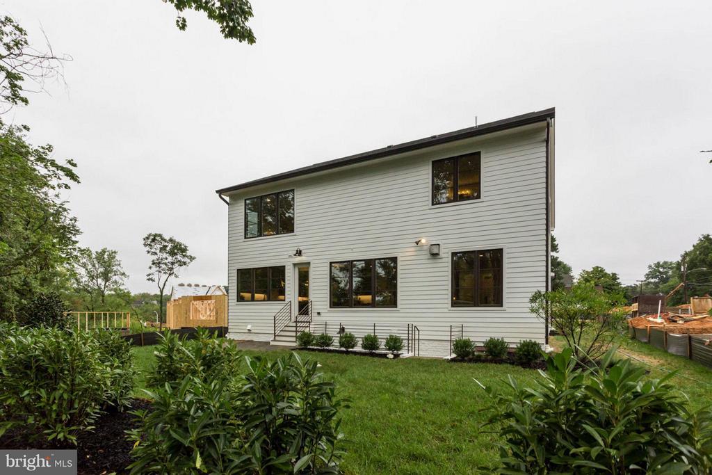 Exterior (Rear) - 6404 19TH ST N, ARLINGTON