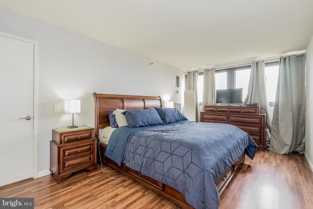 Bedroom (Master) - 5911 EDSALL RD #1113, ALEXANDRIA