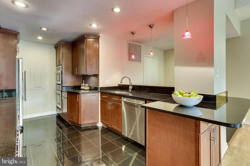 Kitchen - 1530 KEY BLVD #110, ARLINGTON