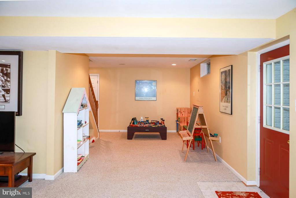 Lower Level Play area - 109 LAKE VIEW WAY NW, LEESBURG