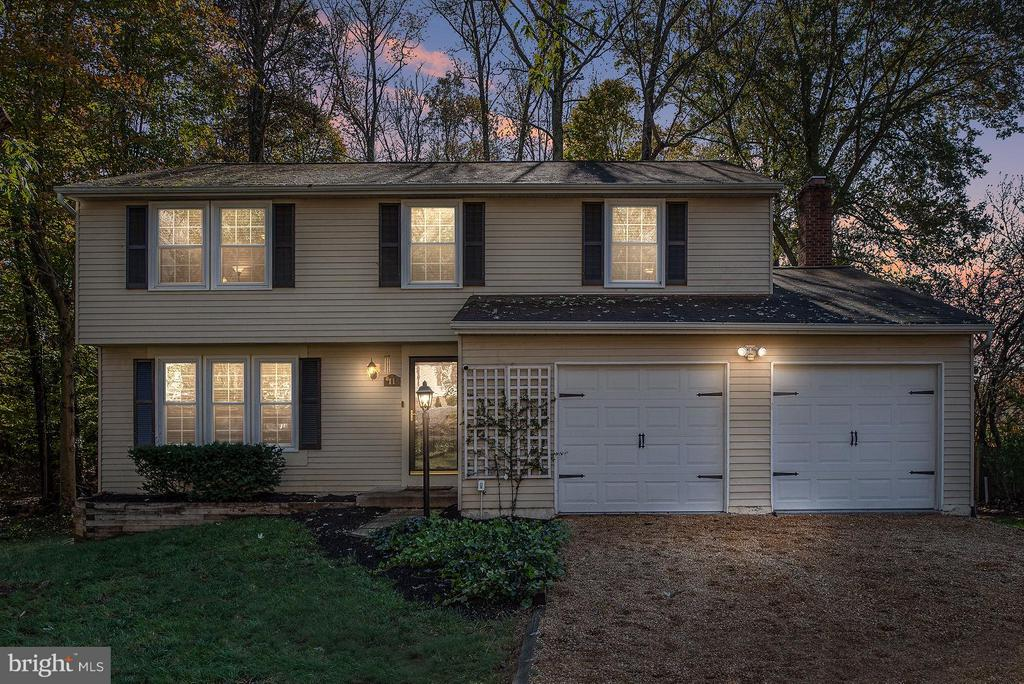 A place to call home for the holidays! - 11 FAIRFIELD CT, STAFFORD