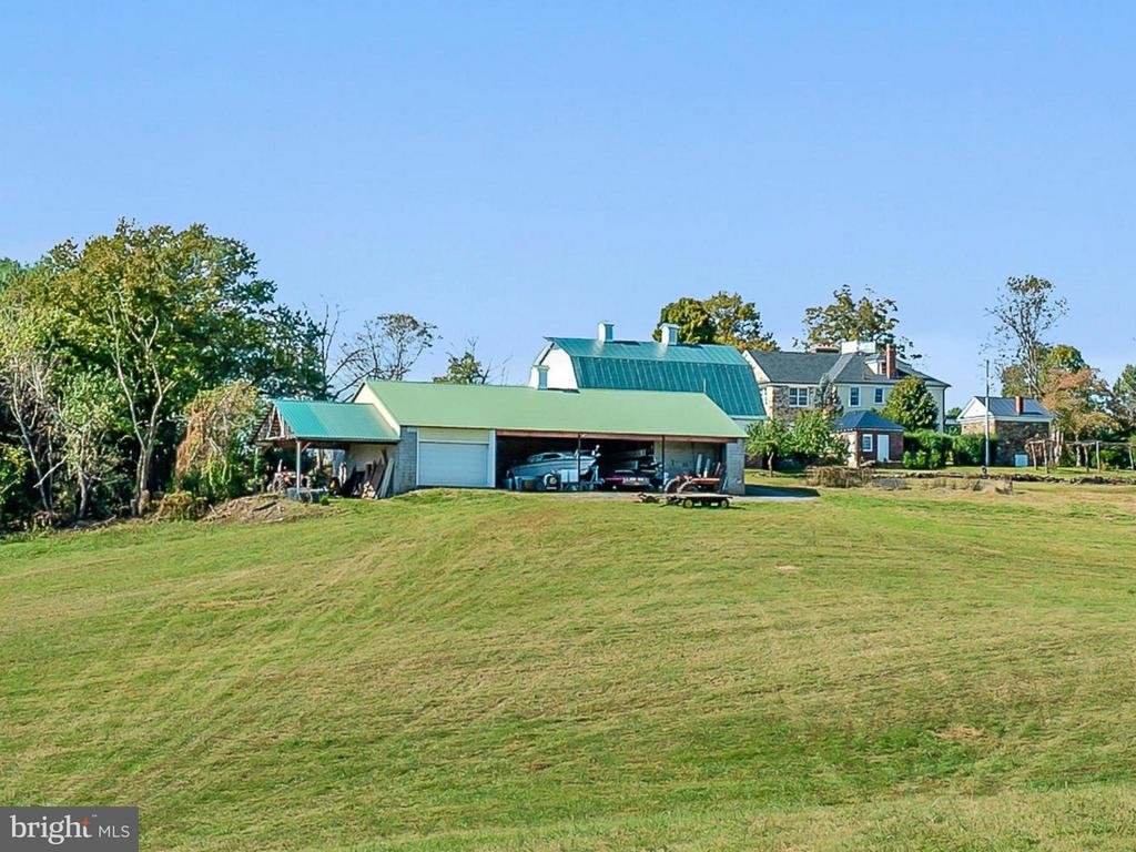 Machine Building, Shed, Office, Blueberry Grove - 35175 SNICKERSVILLE TPKE, ROUND HILL