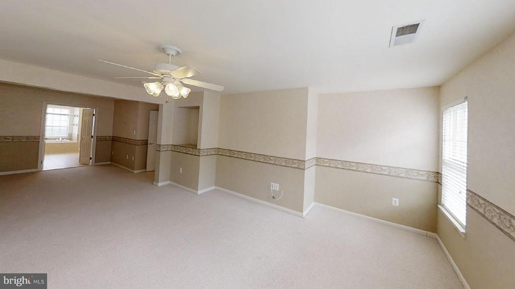 huge owner's suite with sitting room - 805 MONUMENT SQ, WOODBRIDGE