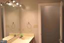 Hall Bath - 240 SANDY RIDGE RD, FREDERICKSBURG