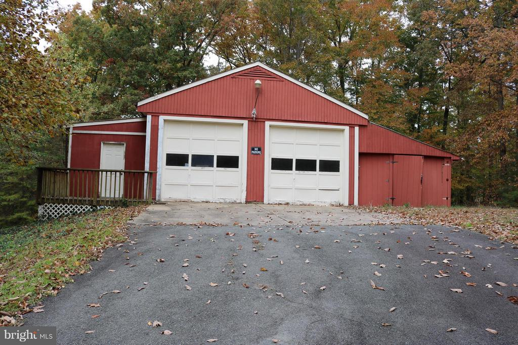Separate workshop/Garage - 240 SANDY RIDGE RD, FREDERICKSBURG