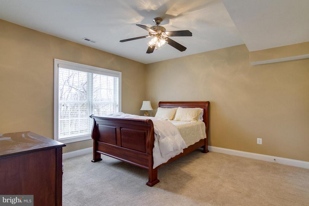 Legally Bedroom - 20652 ST LOUIS RD, PURCELLVILLE