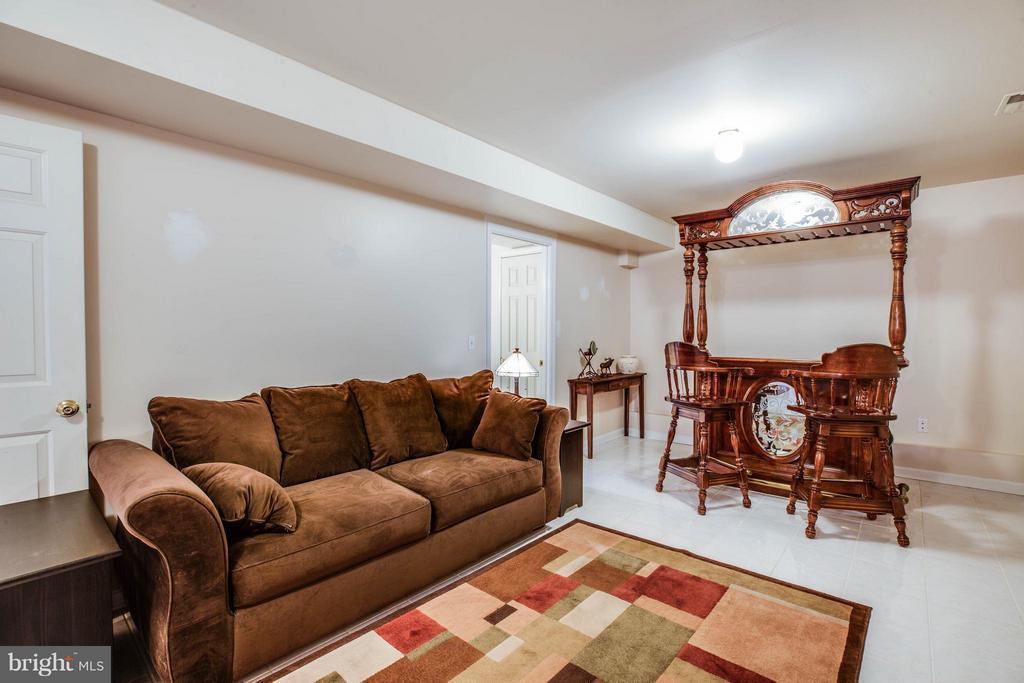 Living Room - 11810 CLARENCE DR, FREDERICKSBURG
