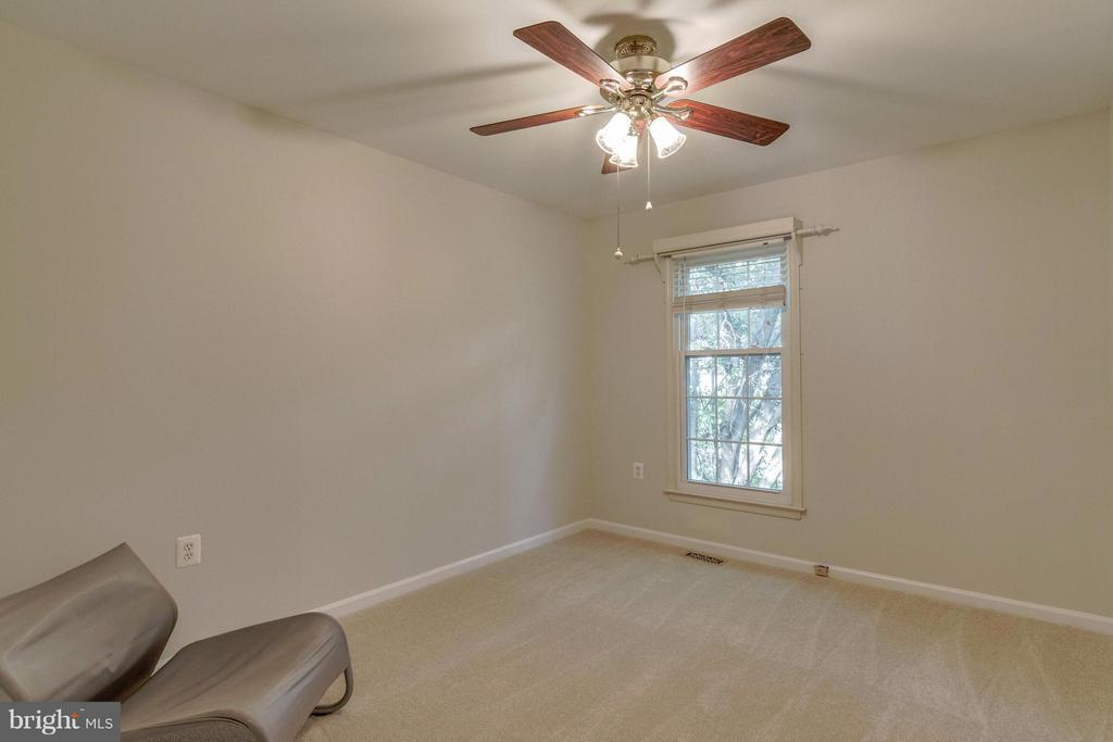 4th Bedroom - 7111 COUNTER PL, BURKE