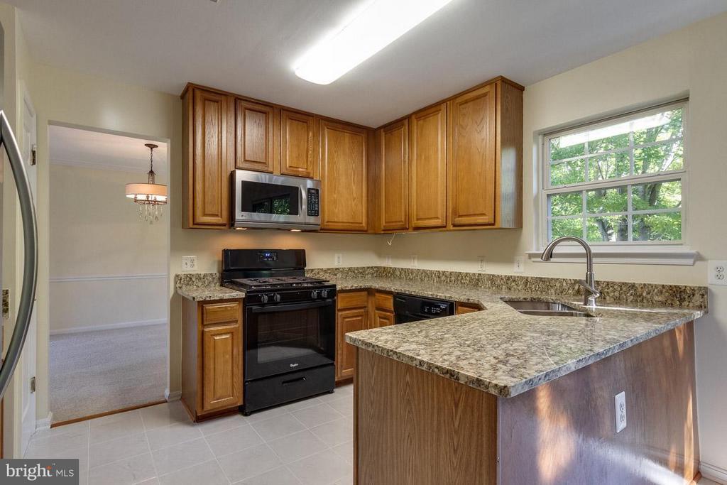 Kitchen - 13823 REGAL CT, WOODBRIDGE