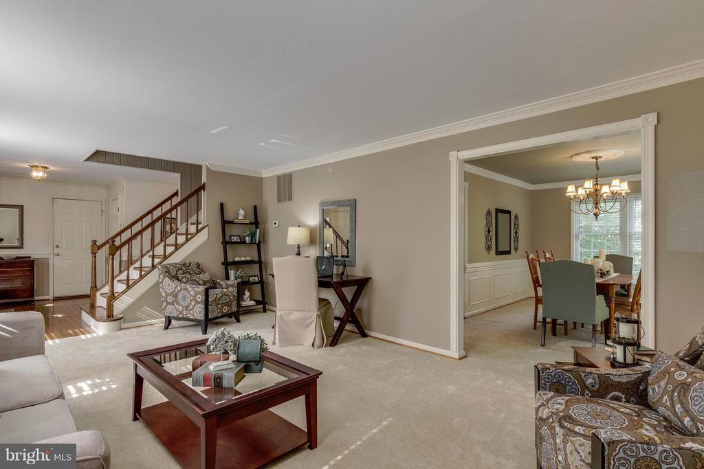Living Room - 7111 COUNTER PL, BURKE