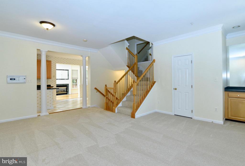 Living Room - 43172 LAWNSBERRY SQ, ASHBURN