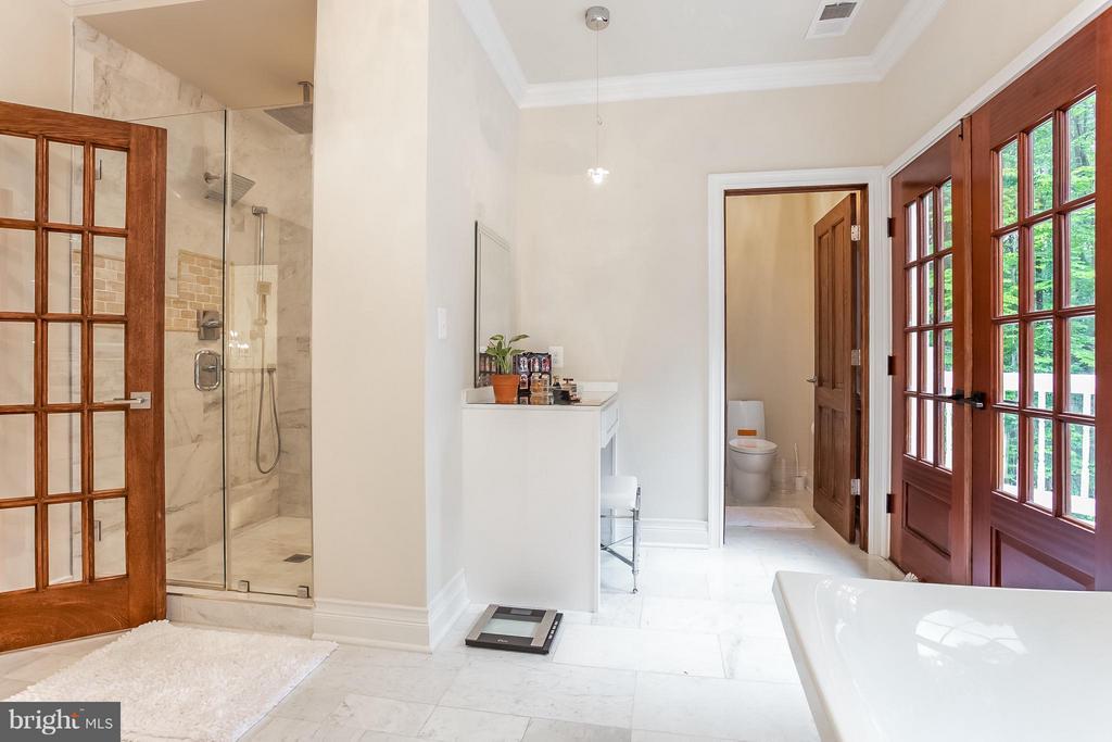 Bath (Master) - 4708 MONTGOMERY ST, ANNANDALE