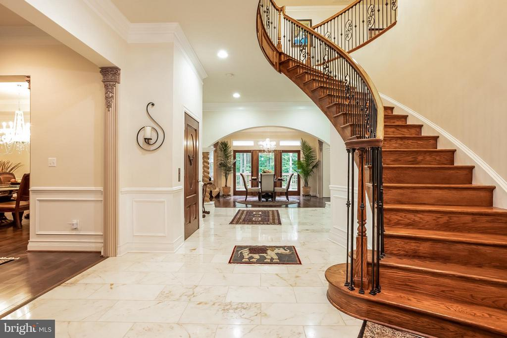 Main Level Foyer - 4708 MONTGOMERY ST, ANNANDALE