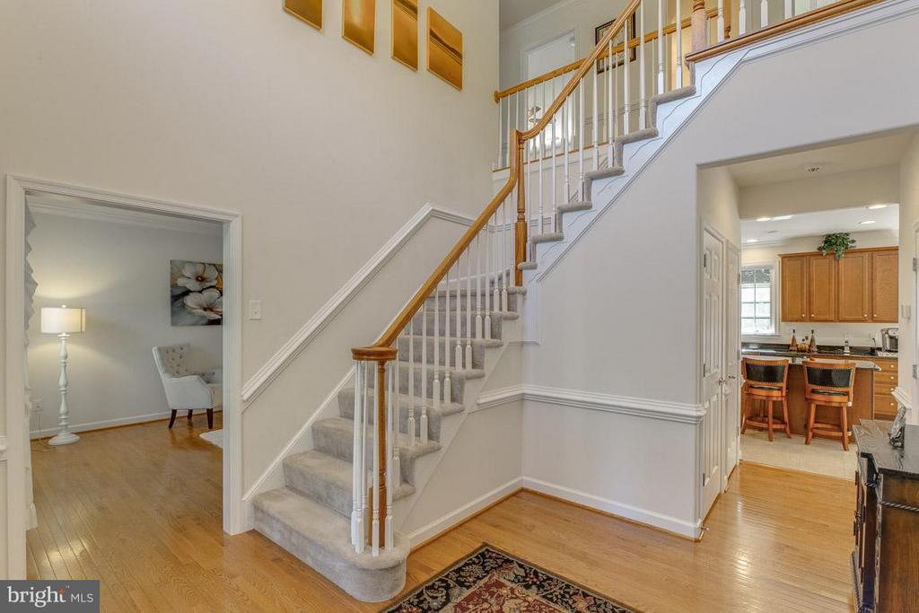 2-Story Foyer - 51 MAPLEWOOD DR, STAFFORD