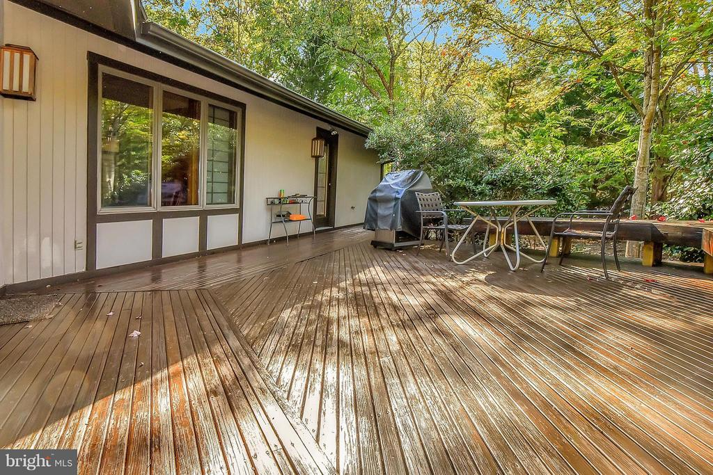 Spacious deck for outside entertainment. - 111 BOXWOOD TRL, LOCUST GROVE