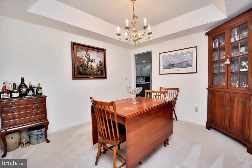 Separate formal dining room - 542 HARRISON CIR, LOCUST GROVE