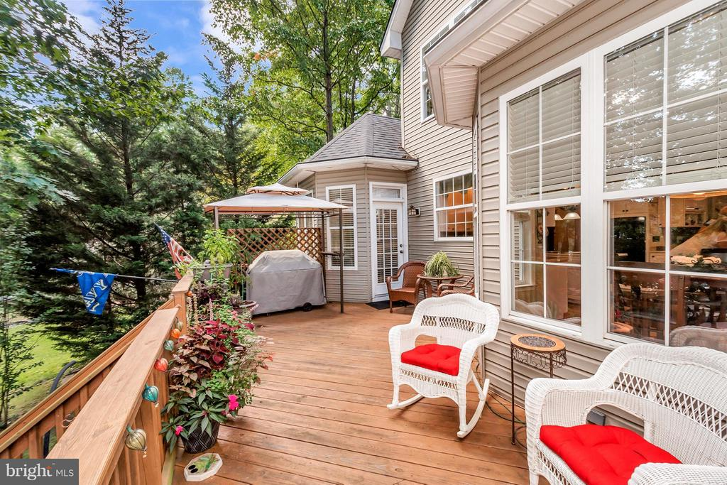 Expansive deck for your leisure time - 100 TYLER TRL, LOCUST GROVE