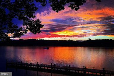Where beauty can be found, sun up to sun down - 100 TYLER TRL, LOCUST GROVE