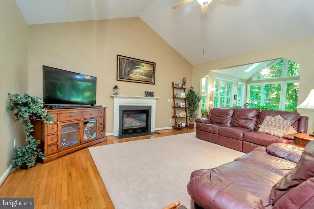 Spacious living room with high ceilings - 100 TYLER TRL, LOCUST GROVE