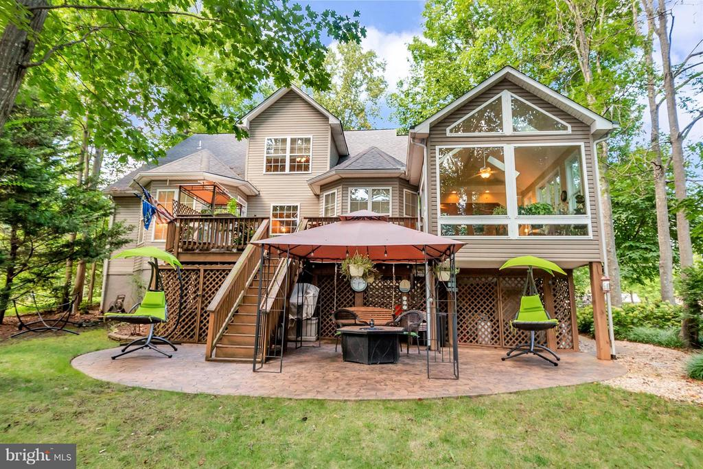 So much character and outdoor living space! - 100 TYLER TRL, LOCUST GROVE