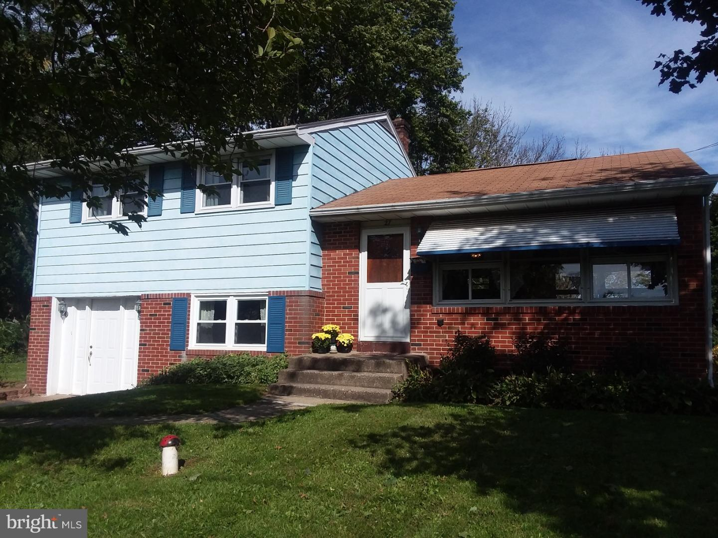 Photo of home for sale at 27 Melvins Road, Telford PA