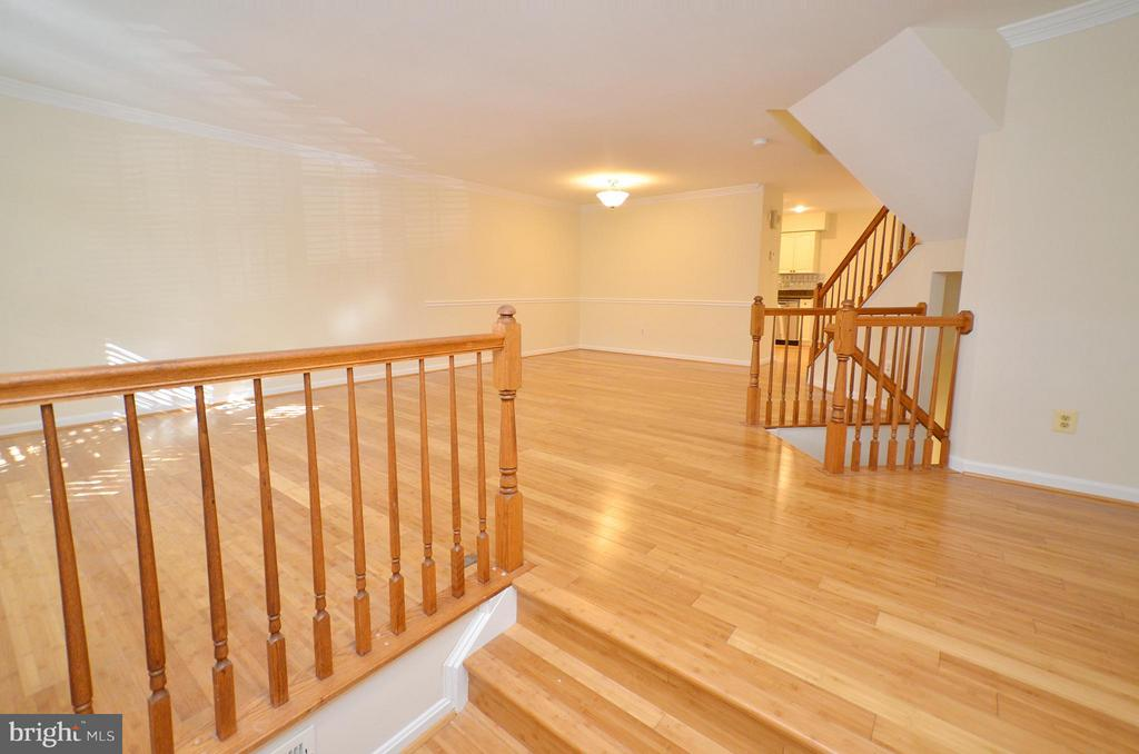 Living Room and Foyer Area - 833 TALL OAKS SQ SE, LEESBURG