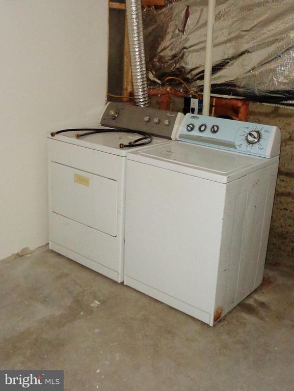 Washer and Dryer - 5403 OBRYANT CT, FREDERICKSBURG