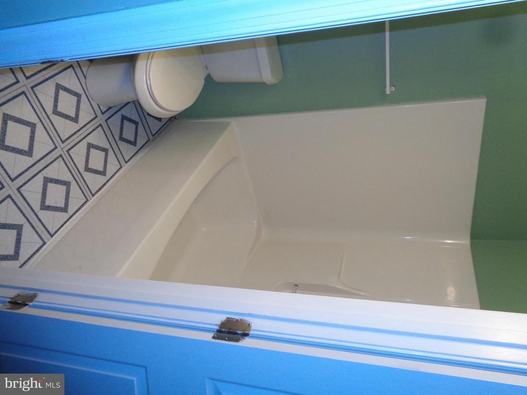 Bath (Master) - 5403 OBRYANT CT, FREDERICKSBURG