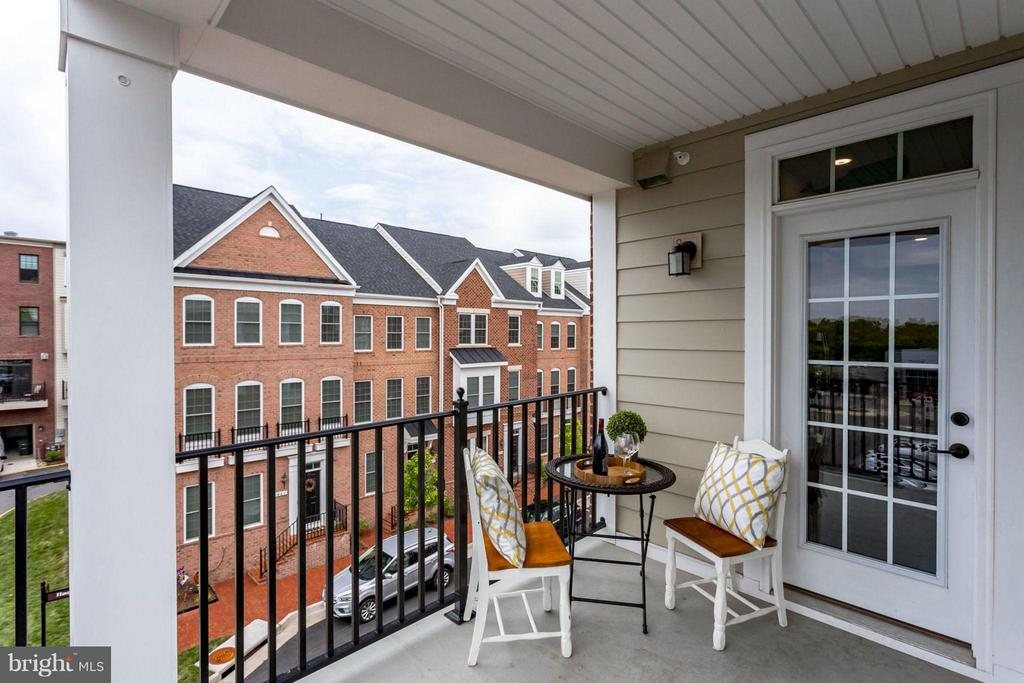 Balcony! - 265 HIGH RAIL TER SE, LEESBURG