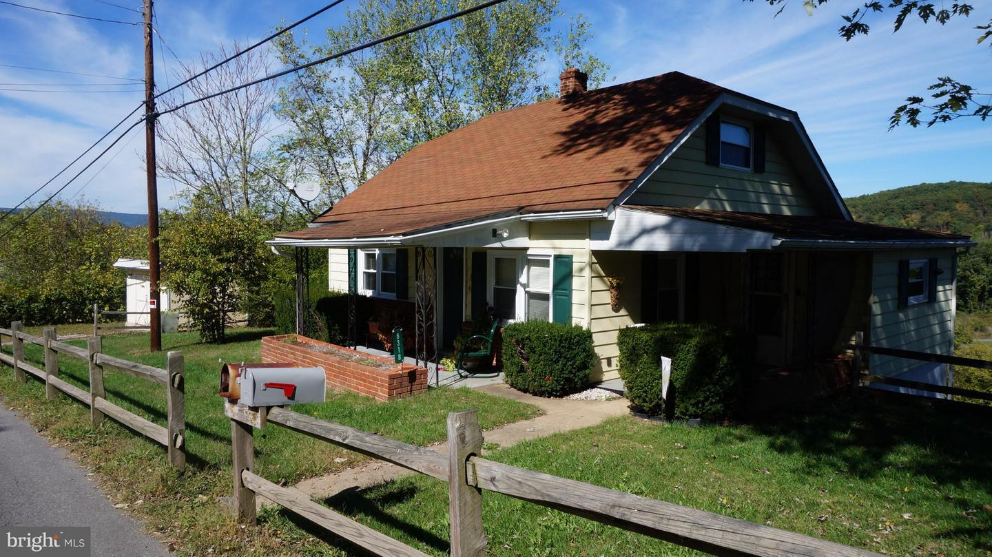 Single Family for Sale at 6318 Pious Ridge Rd Berkeley Springs, West Virginia 25411 United States
