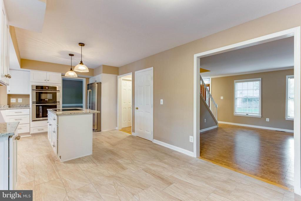 Amazing new Kitchen! - 15902 DOLPHIN DR, DUMFRIES