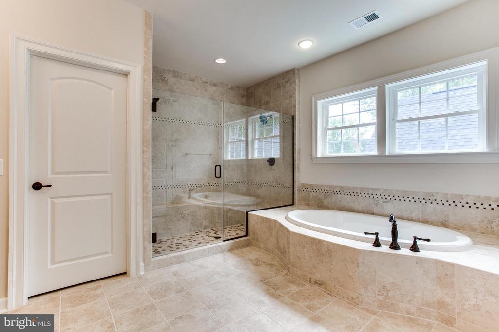 Bath - 0 FLORINA CT, ALDIE