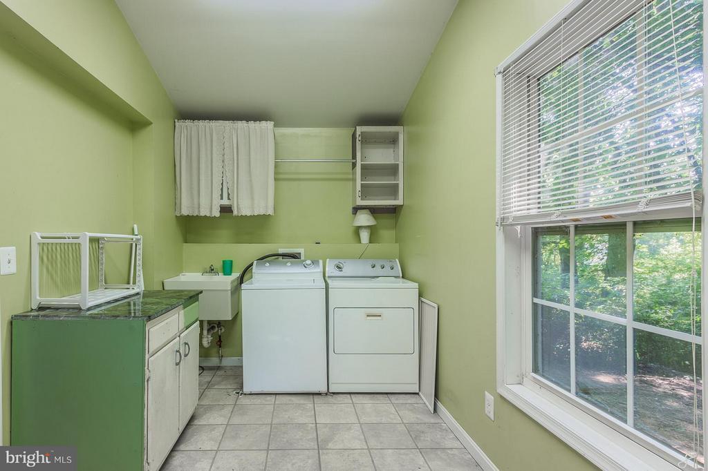 Large Laundry Room - 181 ELEY RD, FREDERICKSBURG