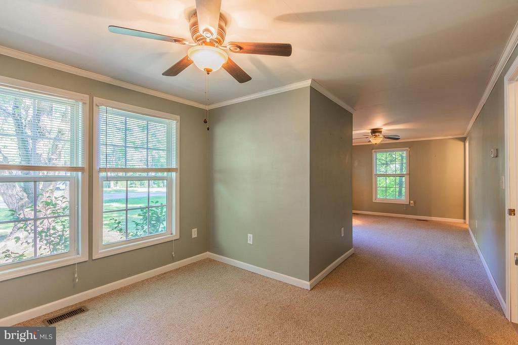 Master With Walk In Closet - 181 ELEY RD, FREDERICKSBURG