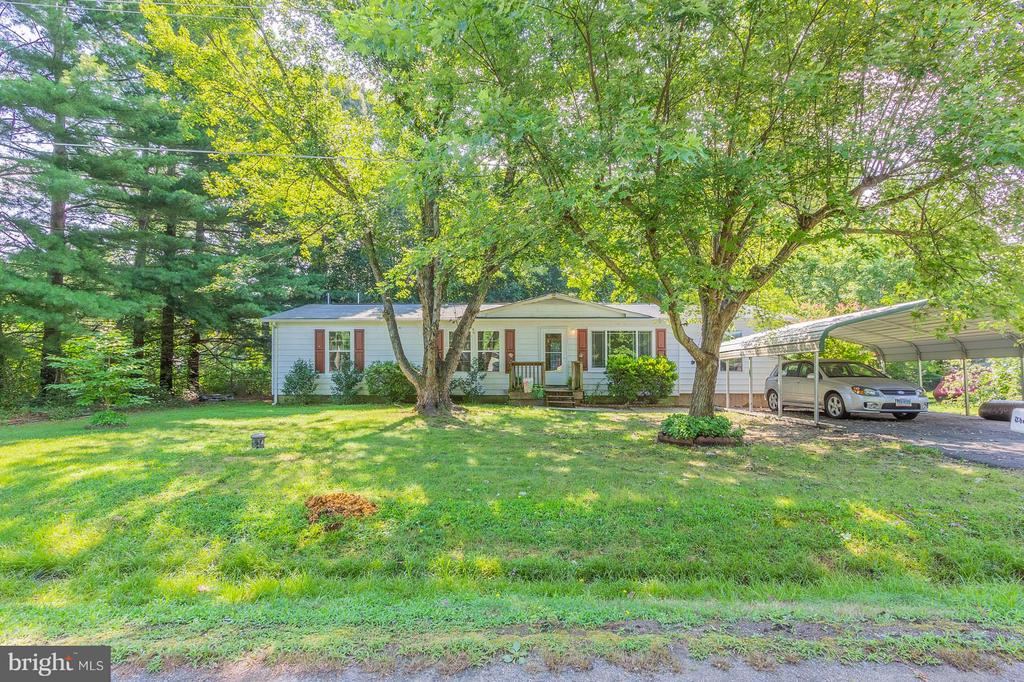 3 Bedroom Home on Over 1 Acre! - 181 ELEY RD, FREDERICKSBURG