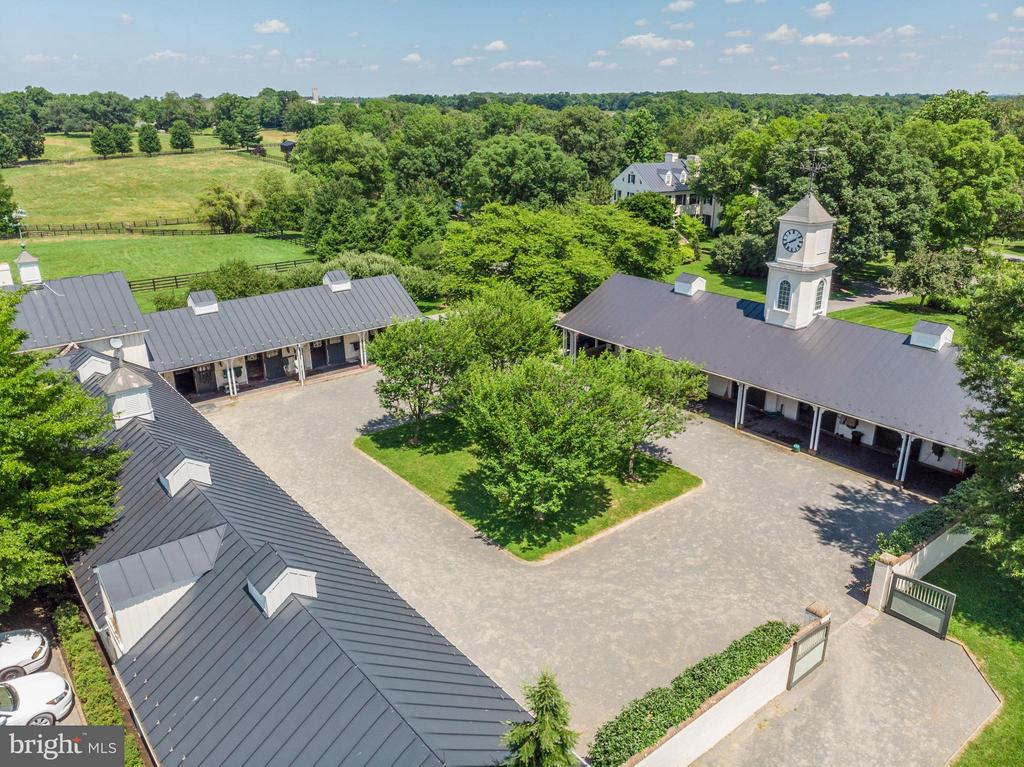 Clock Tower and Ell Barns with courtyard. - 33542 NEWSTEAD LN, UPPERVILLE