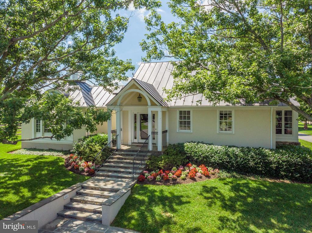 Office w/conference rm, 9 offices, kitchen, 3 bath - 33542 NEWSTEAD LN, UPPERVILLE