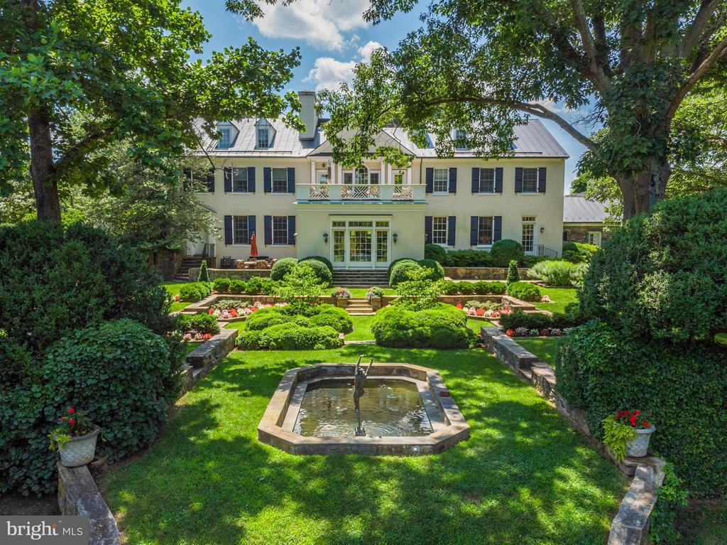 Exquisite formal garden and ponds - 33542 NEWSTEAD LN, UPPERVILLE
