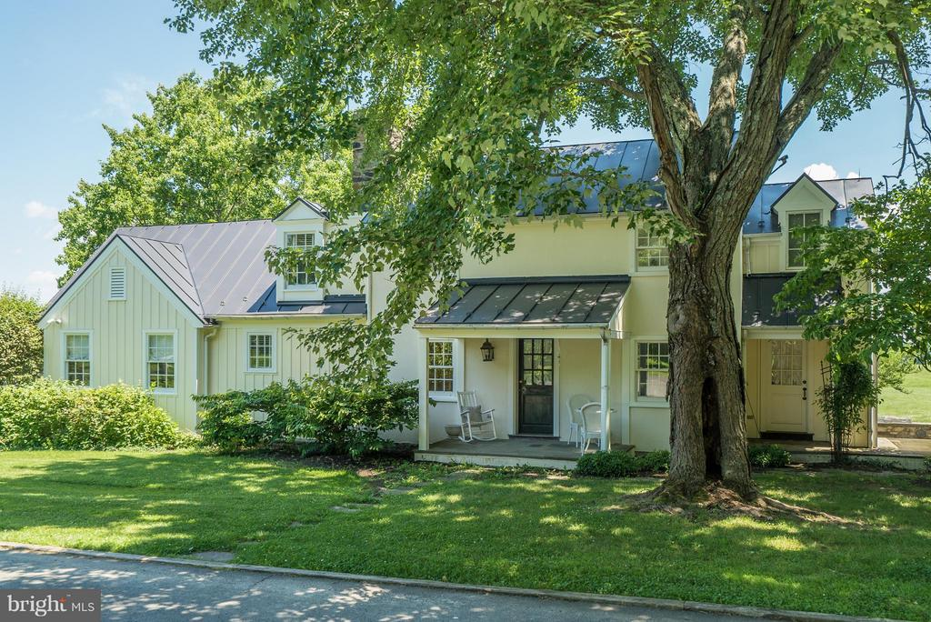 Charming 2BR/ 2 BA Guest House - 33542 NEWSTEAD LN, UPPERVILLE