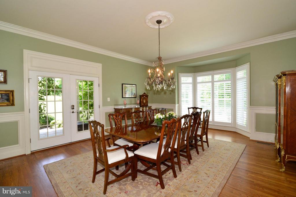Dining Room with french doors to outside - 41738 PUTTERS GREEN CT, LEESBURG