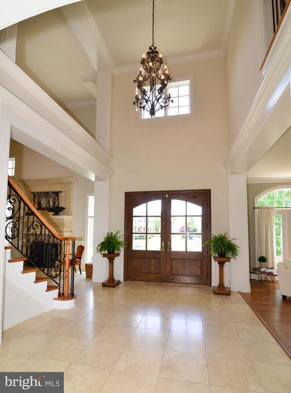 Main entry foyer - 41738 PUTTERS GREEN CT, LEESBURG