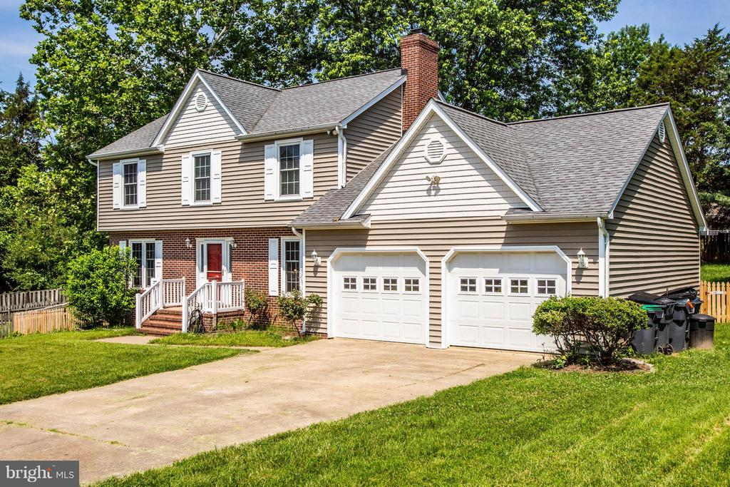 2 Car Garage - 5 STABLE WAY, FREDERICKSBURG
