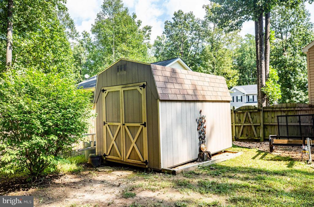 Shed - 130 LAND OR DR, RUTHER GLEN